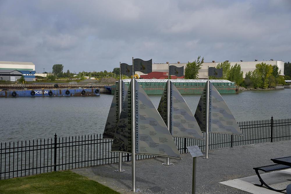 Jardins de la Baronne avec voiles en acier